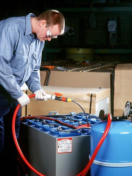 Manutenzione-di-batterie-al-gel-muletti