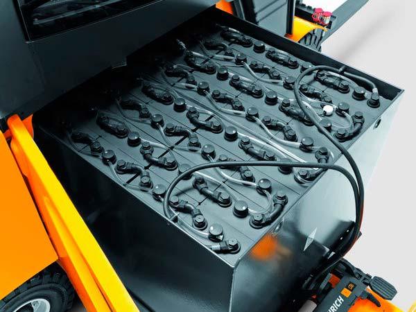 batterie-industriali-ermetiche-gel-lavapavimenti